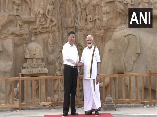 Chinese President Xi Jinping, Prime Minister Narendra Modi at Arjuna's Penance in Mahabalipuram on Friday (Photo/ANI)