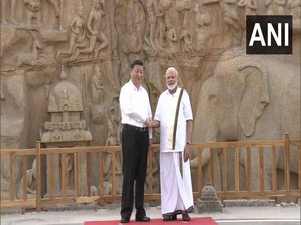 Chinese President Xi Jinping, Prime Minister Narendra Modi at Arjuna's Penance in Mamallapuram on Friday (Photo/ANI)