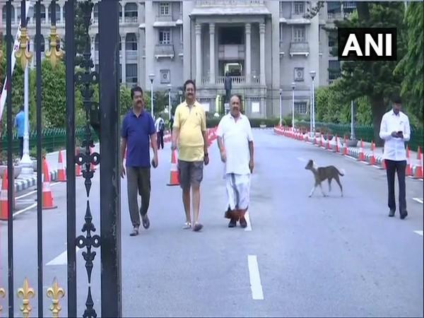 K'taka BJP legislators go for morning walk in Vidhana Soudha