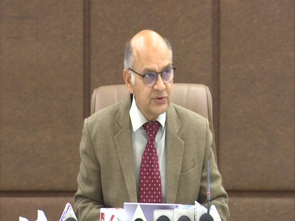 State Election Commissioner KK Sharma addressing a press confrence over DDC polls on Friday. (Photo/ ANI)