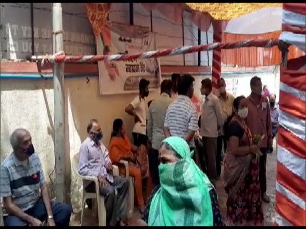People waiting outside Erandwane vaccination centre to get COVID-19 vaccine. (Photo/ANI)