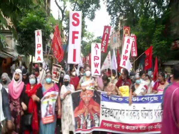 Visuals from the protest in Kolkata. (Photo/ANI)