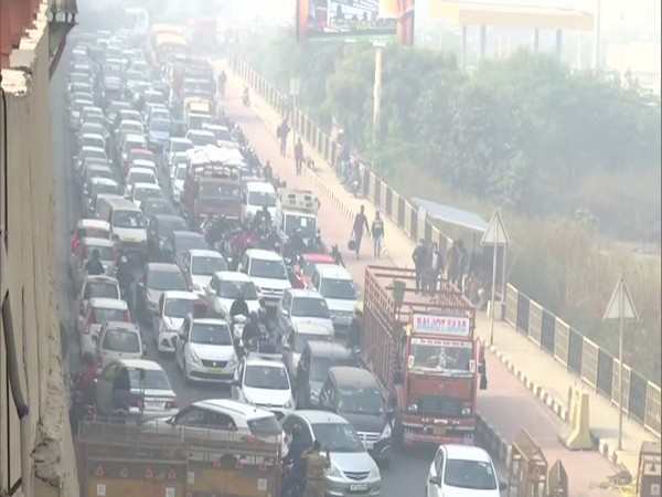 Traffic congestion at the Gazipur border on Tuesday as protesting farmers blocked the border completely.