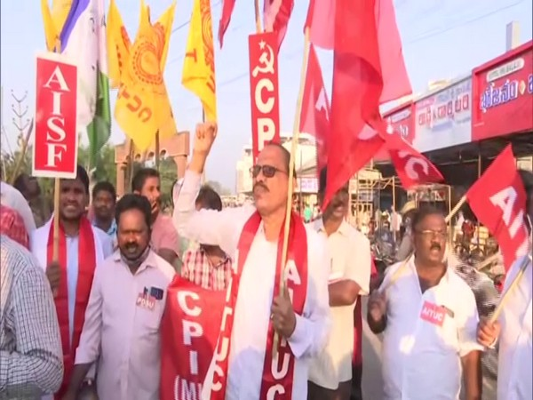 CPI(M) leaders protesting at the Pandit Nehru Bus Station. (Photo/ANI)