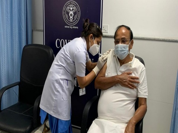 Vice president M Venkaiah Naidu taking the second dose of COVID-19 vaccine at AIIMS on Sunday. (Photo/Twitter)
