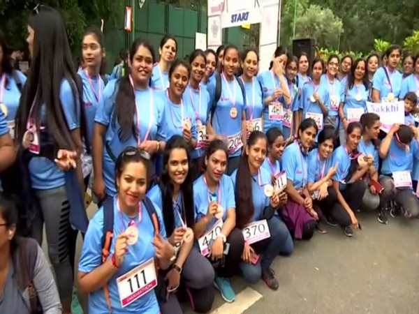K'taka: Young Bengaluru strides against breast cancer, thousands join walkathon