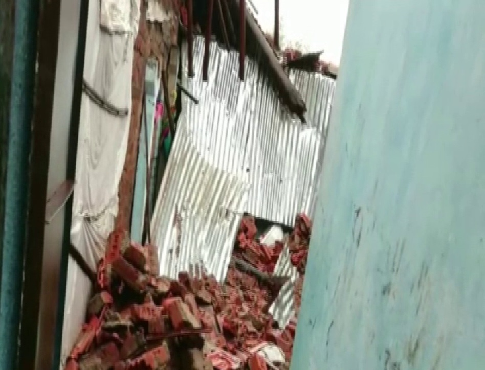 A wall collapsed in Nadiad village area of Bharuch district of Gujarat. Photo/ANI