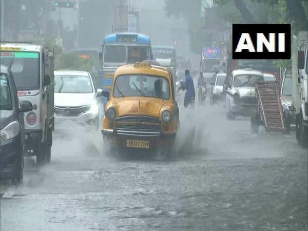waterlogging disrupts vehicular movement in Kolkata