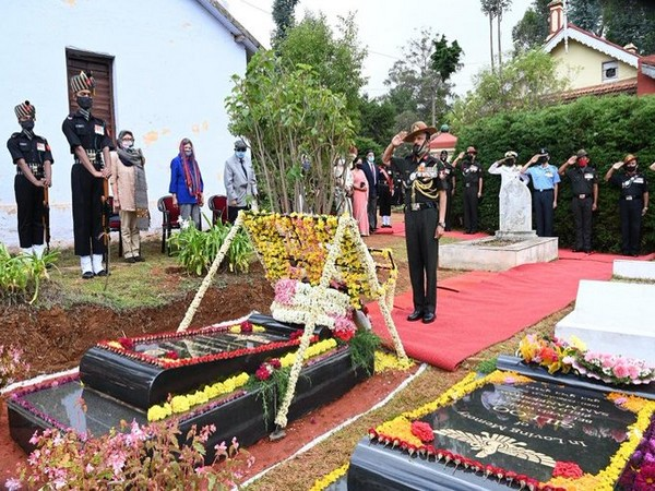 Wreath-laying ceremony to commemorate 12th death anniversary of Field Marshal SHFJ Manekshaw was held in Wellington today. (Photo/ANI)