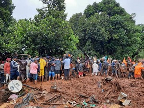 Visual of NDRF teams carrying out rescue operations in Maharashtra (Photo/ANI)