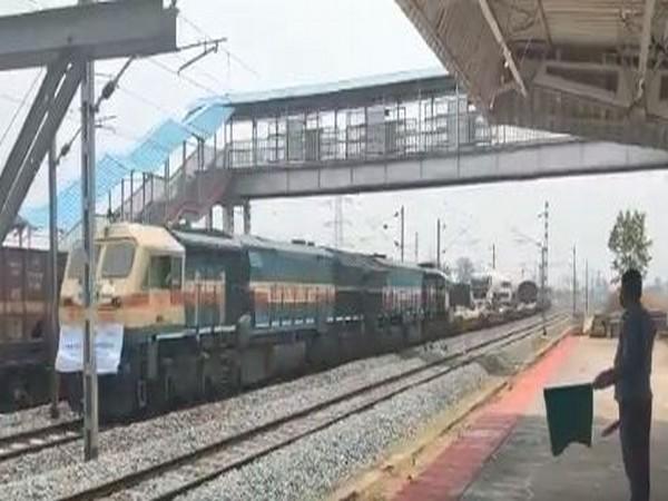 Oxygen Express leaves from Odisha to Delhi (Photo/ANI)