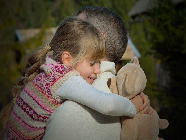 Girls who enter puberty later generally had fathers who were active participants in care-giving.