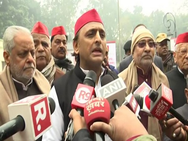 Akhilesh Ydava speaks to media persons in Lucknow on Tuesday [Photo/ANI]