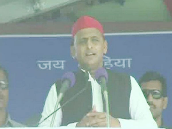 SP chief Akhilesh Yadav addressing an election rally at Mirzapur, Uttar Pradesh, on Friday. Photo/ANI