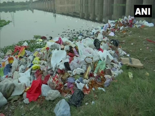 Areas around Mayur Vihar and Laxmi Nagar were badly affected due to waste collection near the river. (Photo/ANI)