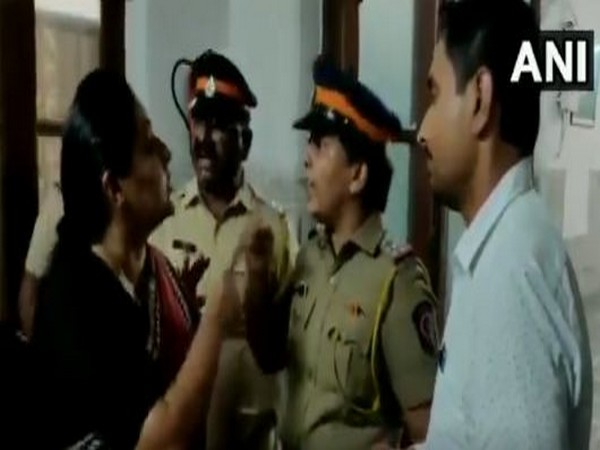 Maharashtra Congress Working President Yashomati Thakur having altercation with police on Froiday in Mumbai over meting Karnataka MLA Shrimant Patil