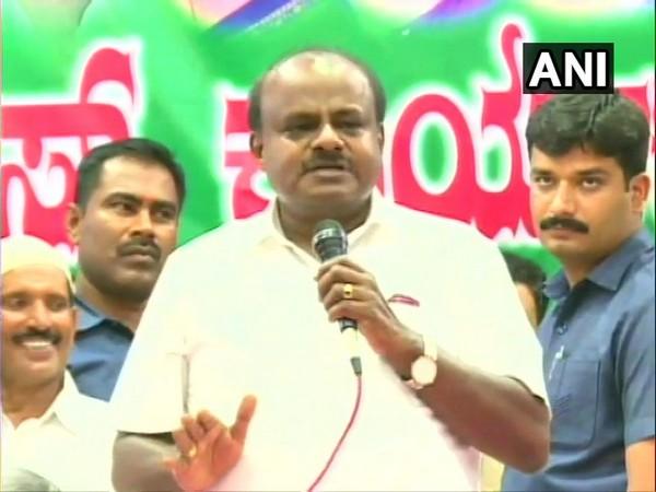 JD (S) leader H D Kumaraswamy speaking in Mandya on Saturday. Photo/ANI