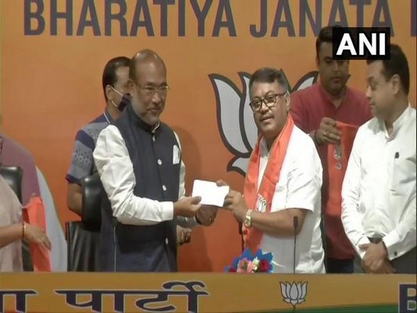 Govindas Konthoujam joins BJP, in the presence of CM N Biren Singh, BJP leader Sambit Patra. (Photo/ANI)