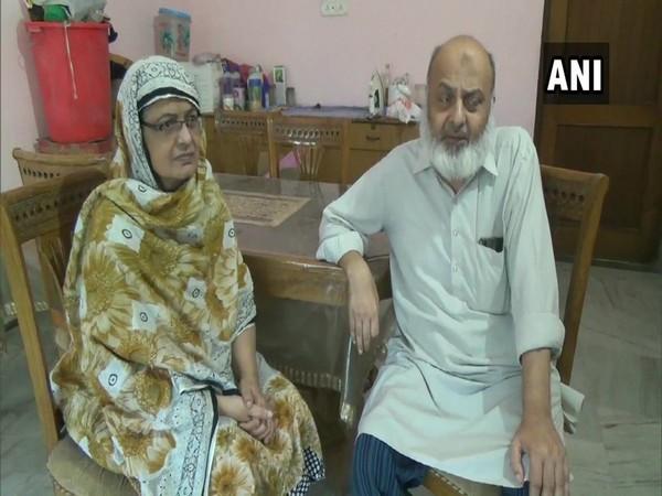 Zubeda Begum (left) with her husband Syed Mohammad Zaved in Muzaffarnagar, Uttar Pradesh.